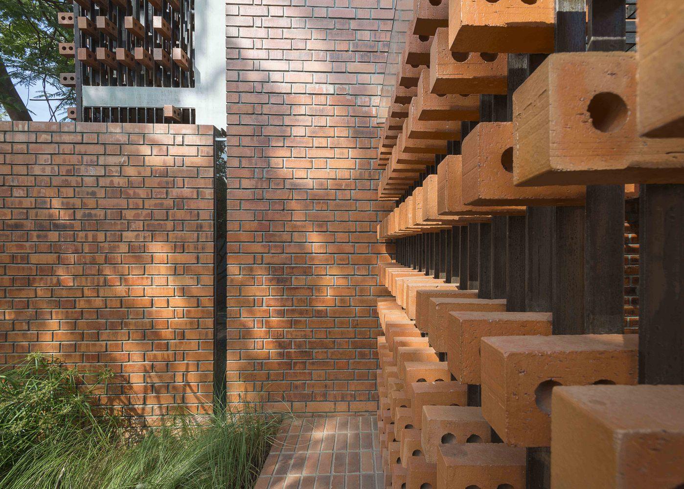 Brick House - Nhà đẹp nước ngoài - 4