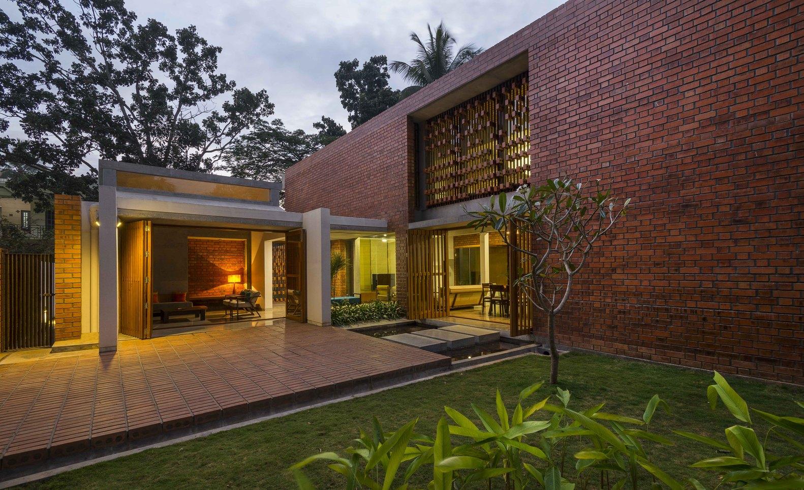 Brick House – Ngôi nhà gạch điều hòa không khí oi bức của vùng đất nhiệt đới