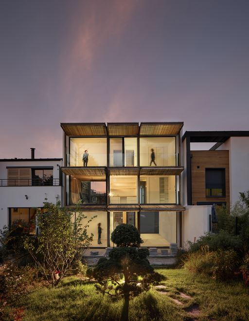 Village Garden Home – với khu vườn bố trí xinh động cung cấp sự sống cho ngôi nhà