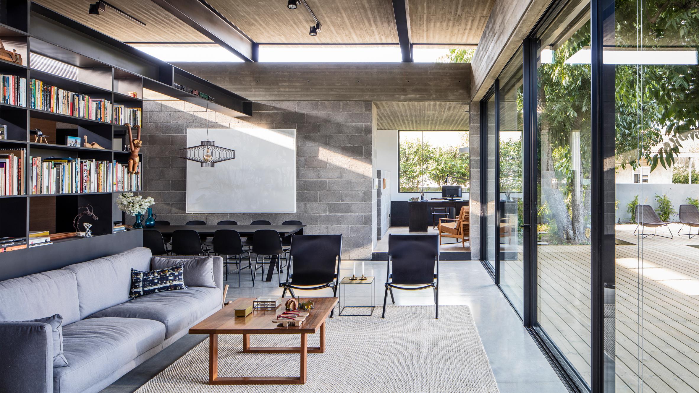 Bare House – Ngôi nhà mang lại những thoáng nhìn lên bầu trời và những ngọn cây