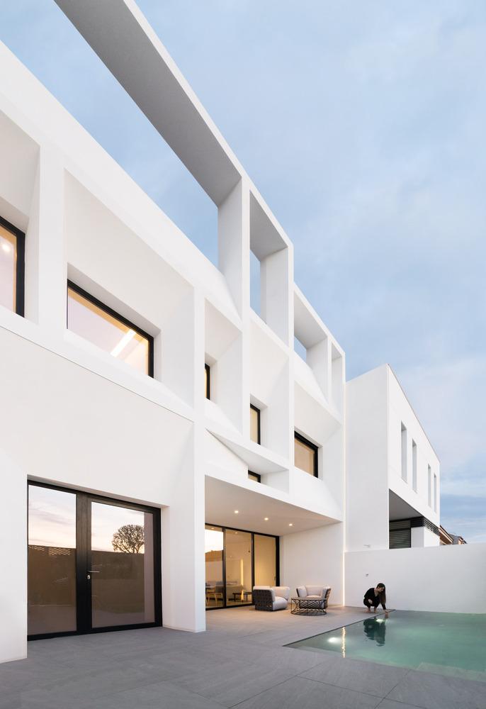 Brise Soleil House – với kết cấu hình học giảm thiểu bức xạ ánh mặt trời
