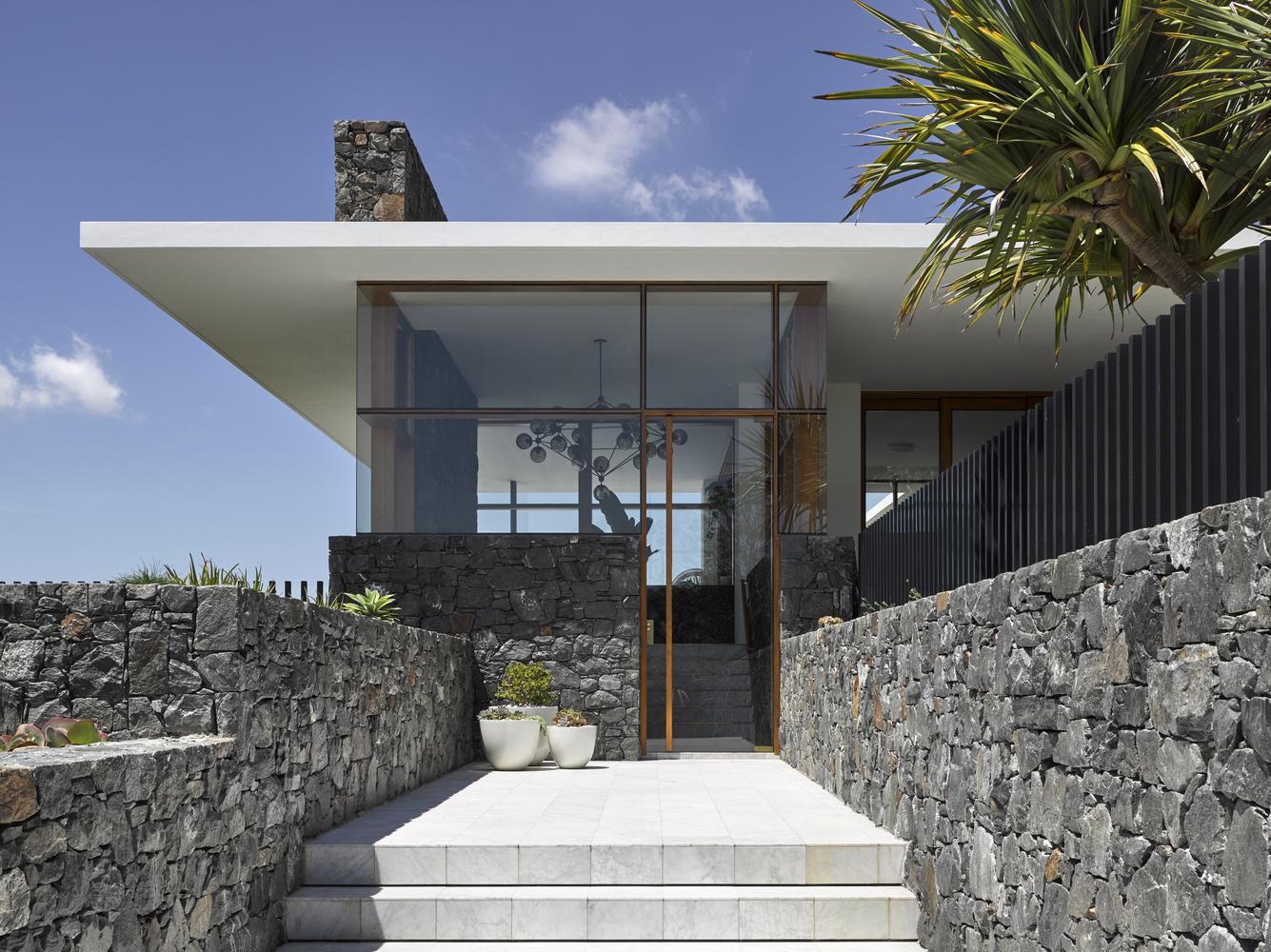 Nhà đẹp nước ngoài- Rocky house 2