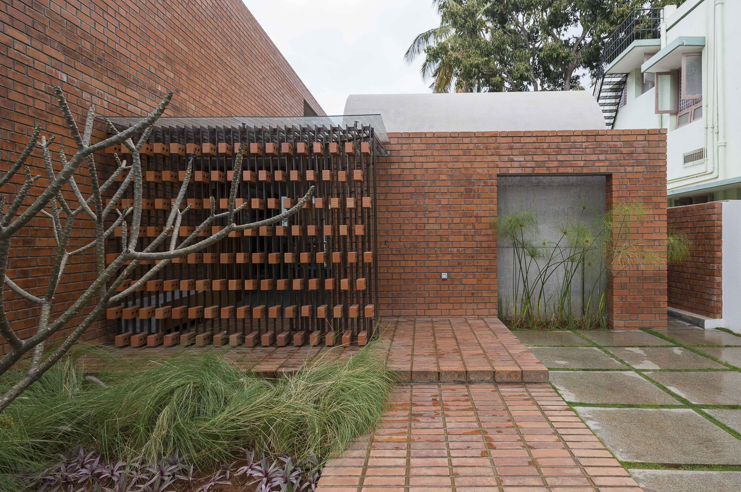 Brick House - Nhà đẹp nước ngoài - 6
