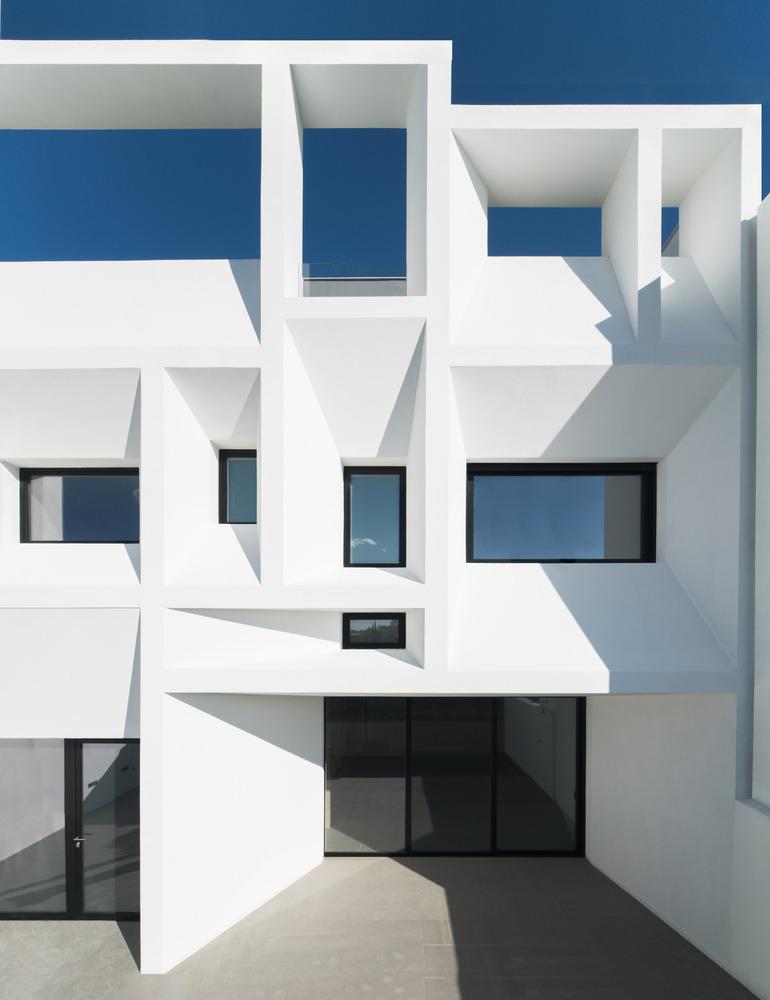 Nhà đẹp nước ngoài - Brise Soleil House
