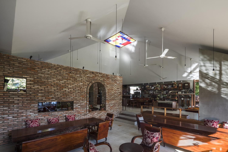 """3038 - Cà phê Thúy Viên """"Tạo từ vật liệu tái sử dụng của các ngôi nhà cũ ở địa phương"""""""