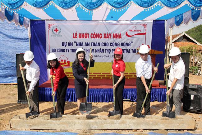Nhà an toàn cho cộng đồng / Prudential Việt Nam
